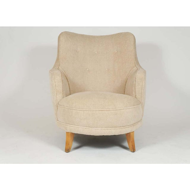 1940s 1940s Barrel Back Moderne Freshly Upholstered Lounge Chairs After Gilbert Rohde, Pair For Sale - Image 5 of 12