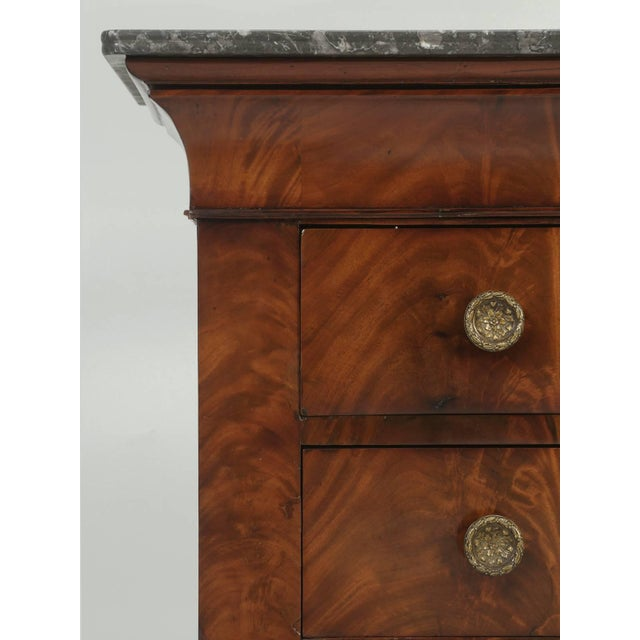 Late 19th Century Antique French Commode in Mahogany With Exquisite Hardware For Sale - Image 5 of 10
