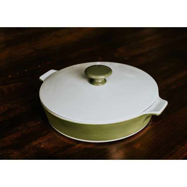 Gorgeous, mint condition pyroceram buffet server by Corning. These special Corning Rounds with corning ware lids and...