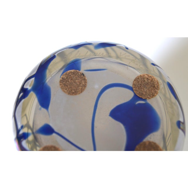 1990s Large Stuart Abelman Studio Glass Iridescent Vase For Sale - Image 5 of 6