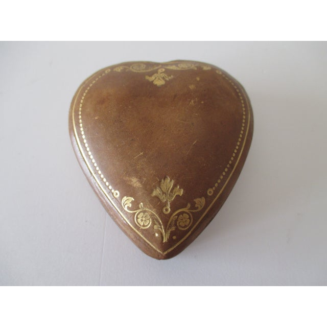 Late 20th Century Vintage Florentine Heart Shaped Embossed Leather Trinket Box For Sale - Image 5 of 5