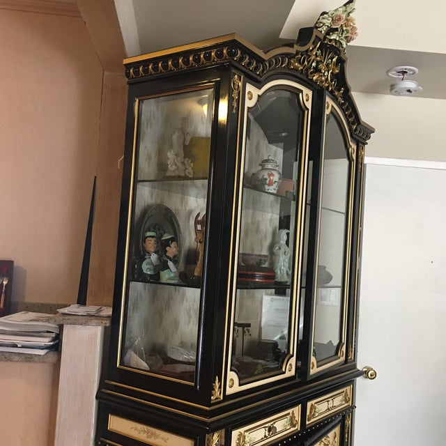 Italian Lacquer Glass Showcase Cabinet With Flower - Image 3 of 11