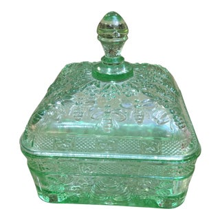 Early 20th Century Vintage Green Federalist Glass Bumble Bee Box For Sale
