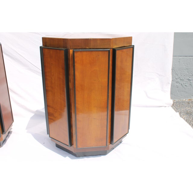 Henredon Mid-Century Nightstands or End Tables - A Pair - Image 11 of 11