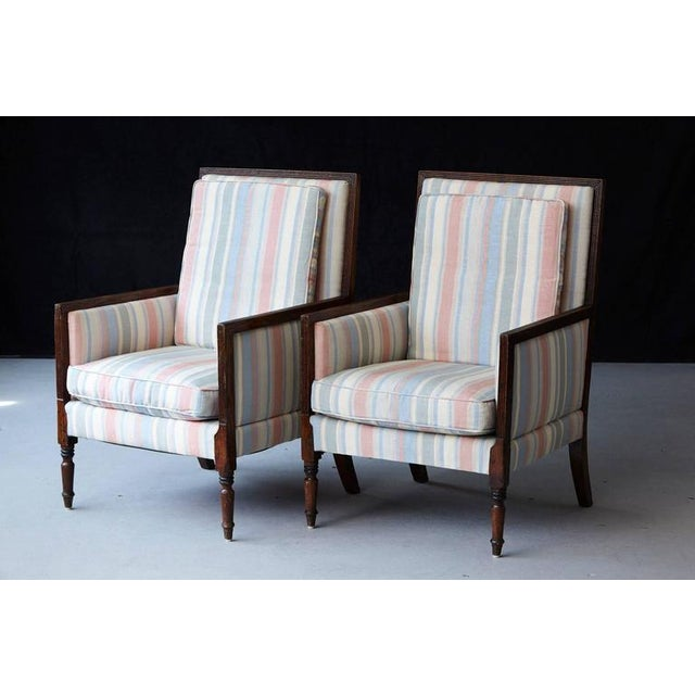 Neoclassical Pair of Italian Neoclassical Style Bergères in Pastel Striped Moiré Taffeta For Sale - Image 3 of 10