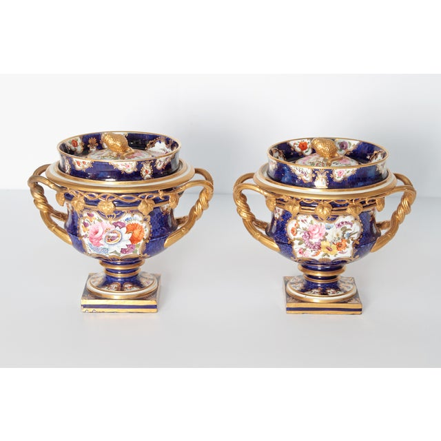 English Traditional Pair of 19th Century English Porcelain Fruit Coolers With Covers For Sale - Image 3 of 13