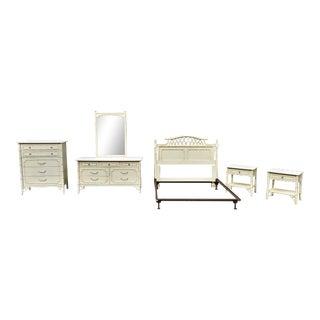 Thomasville Queen Size Bedroom Set - Set of 5 For Sale