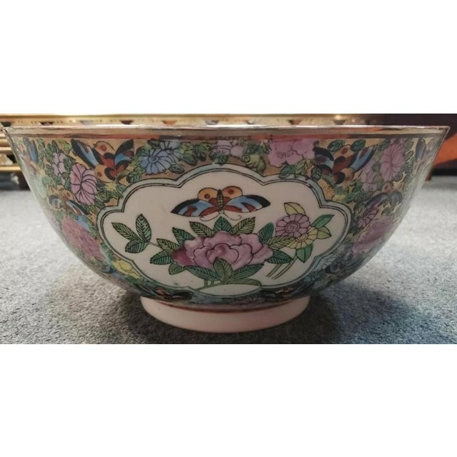 Mid 20th Century Chinese Rose Medallion Porcelain Punch Bowl For Sale - Image 4 of 8