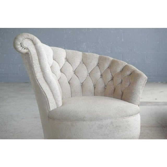 1940s Hollywood Regency Asymmetrical Fan Back Tufted Lounge Chair For Sale - Image 4 of 9
