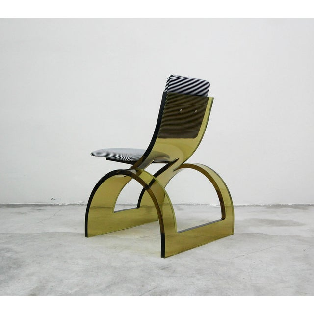 Charles Hollis Jones Rare Sculptural Cantilevered Vintage Arched Colored Lucite Corner Lounge Chair For Sale - Image 4 of 8