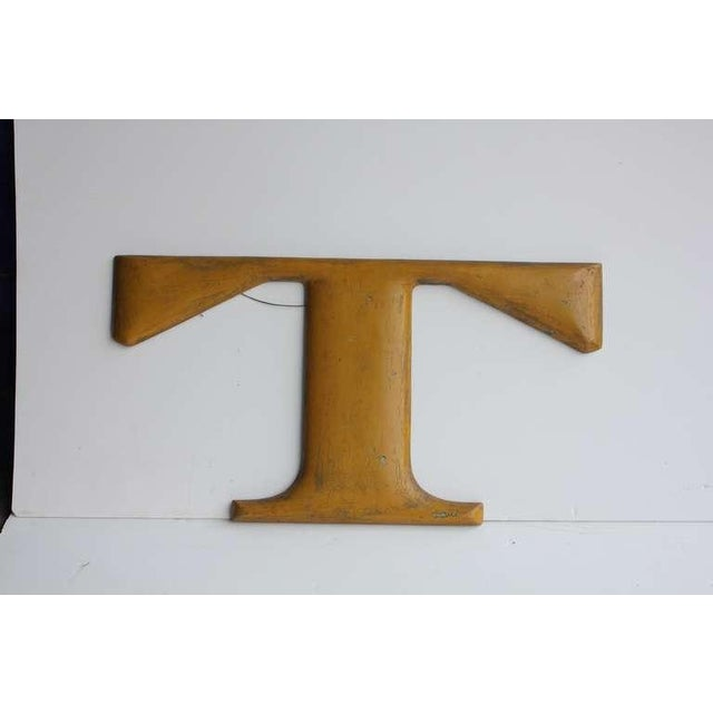 """Contemporary 1900's Vintage American Iron Letter """"T"""" Model For Sale - Image 3 of 3"""