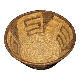 Circa 1900 Antique Native American Apache Pima Basket For Sale
