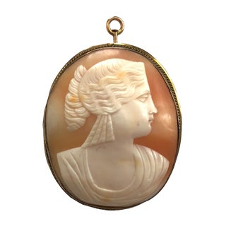 Victorian 10k Gold Carved Shell Cameo Pin Pendant For Sale
