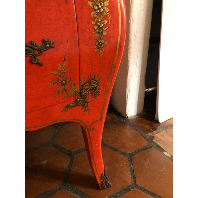 1940s Coral and Gilt Chinoiserie Bombe Style Chest of Drawers For Sale In Philadelphia - Image 6 of 13