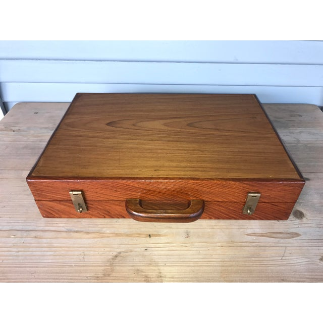 Vintage Shag-Carpet Salesman's Sample Case For Sale - Image 10 of 10
