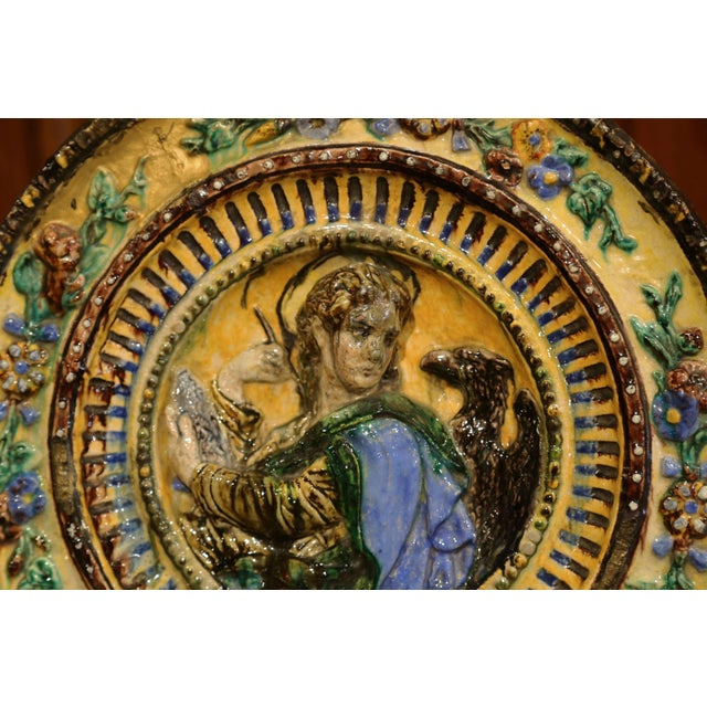 Early 20th Century Large Early 20th Century Italian Hand-Painted Majolica Wall Charger For Sale - Image 5 of 6