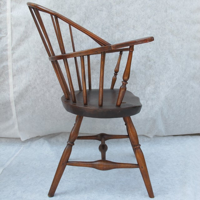 New England Bow-Back Windsor Arm Chair - Image 5 of 8