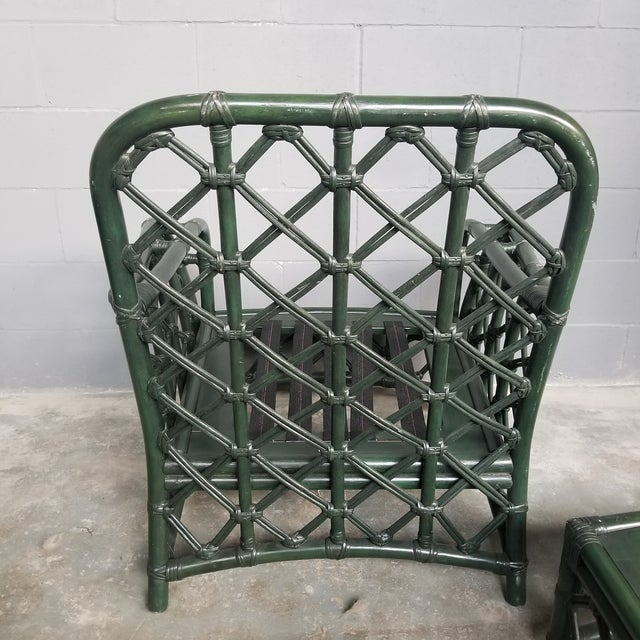1960s Vintage Ficks Reed Hunter Green Rattan Lounge Chair and Ottoman Set For Sale In Chicago - Image 6 of 13