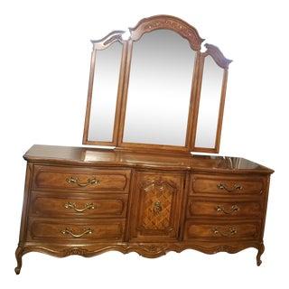 Vintage Thomasville Dresser & Tri-Fold Mirror