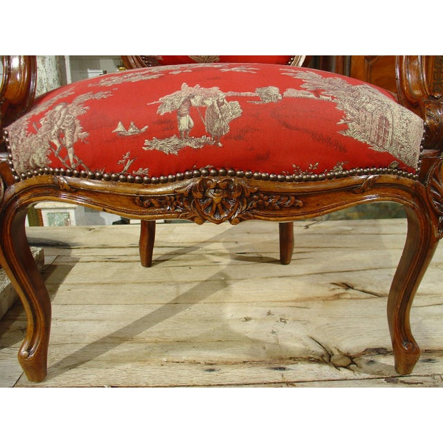 French Pair of Louis XV Style Walnut Fauteuils with Toile de Jouy Upholstery For Sale - Image 3 of 10