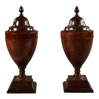 Rare Pair of Large Walnut Late 18th Century English Wine Coolers For Sale