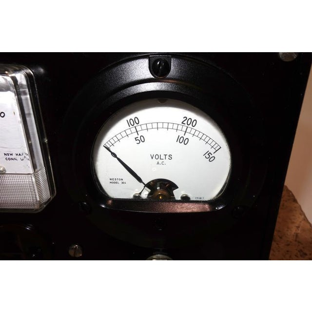 Industrial Dual Electrical Meter Set in Bakelite Case. Display As Sculpture. Circa Mid-20th Century For Sale - Image 3 of 4