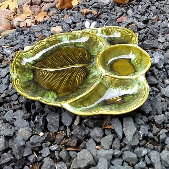 Boho Chic Mid-Century Leaf Shaped Platter / Tray For Sale - Image 3 of 6