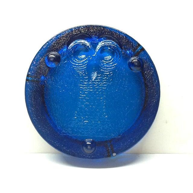 Mid-Century Modern Vintage Cobalt Blue Blenko Art Glass Owl Ashtray For Sale - Image 3 of 7