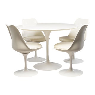 Knoll Saarinen White Laminate Tulip Table With Four Armless Swivel Chairs For Sale