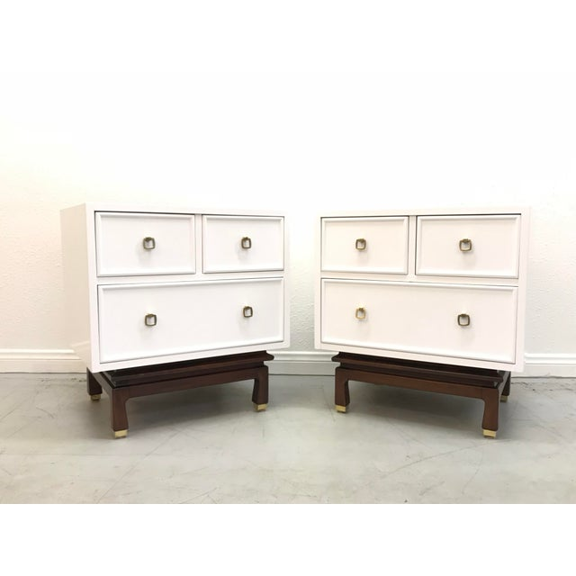 American of Martinsville White Laquered Nightstands - A Pair For Sale - Image 10 of 10