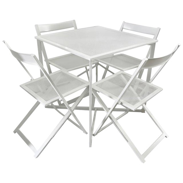 1970s Modern White Five-Piece Patio Dining Set For Sale