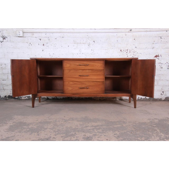 1960s Kent Coffey Perspecta Sculpted Walnut and Rosewood Credenza For Sale - Image 5 of 11