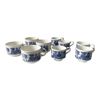 Vintage Set of English Blue Willow Coffee and Tea Cups For Sale
