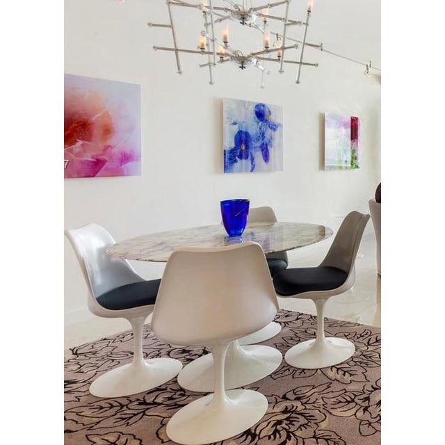 White Mid-Century Modern Saarinen Dining Set - 5 Pieces For Sale - Image 8 of 9