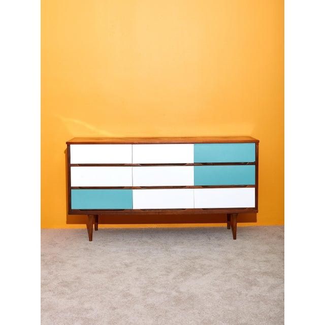 1960s 9 Drawer Dresser For Sale - Image 5 of 5