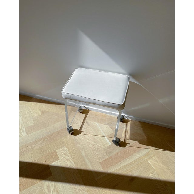 1970s 1970s Waterfall Lucite Vanity Stool For Sale - Image 5 of 7