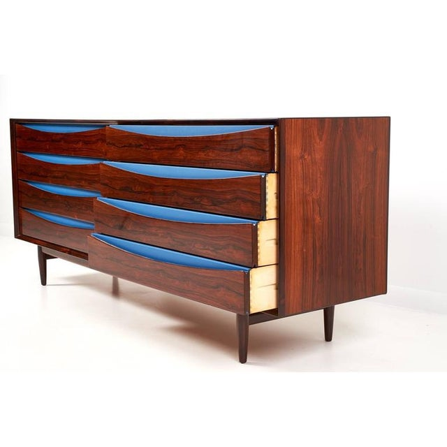 Arne Vodder for Sibast Triennale Rosewood Eight Drawer Double Chest For Sale - Image 5 of 7