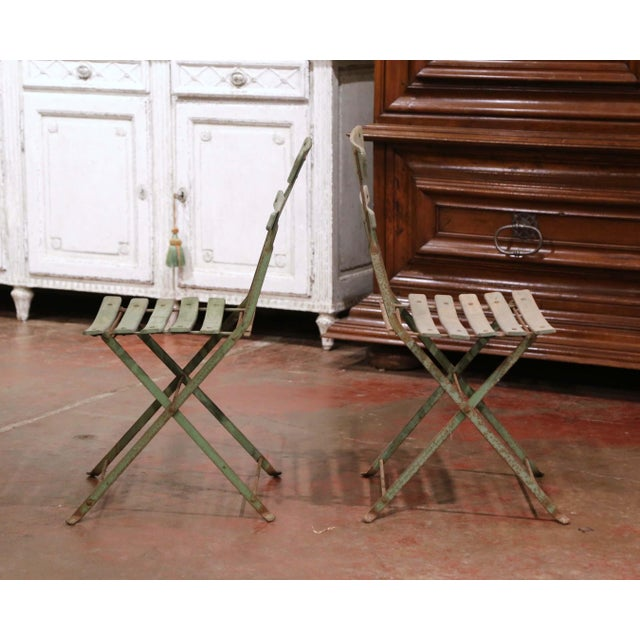Set of Four 1920s French Iron and Wood Painted Folding Garden Chairs For Sale - Image 4 of 13