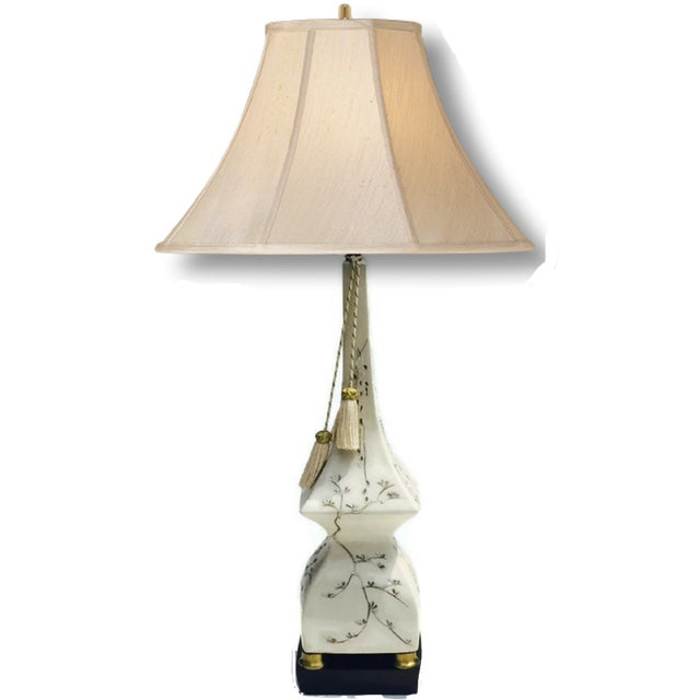 Mid-Century Pagoda Lamp Chinoiserie Table Lamp - Image 4 of 11