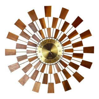 1970s Vintage Seth Thomas Mid-Century Modern Sunburst Wall Clock For Sale