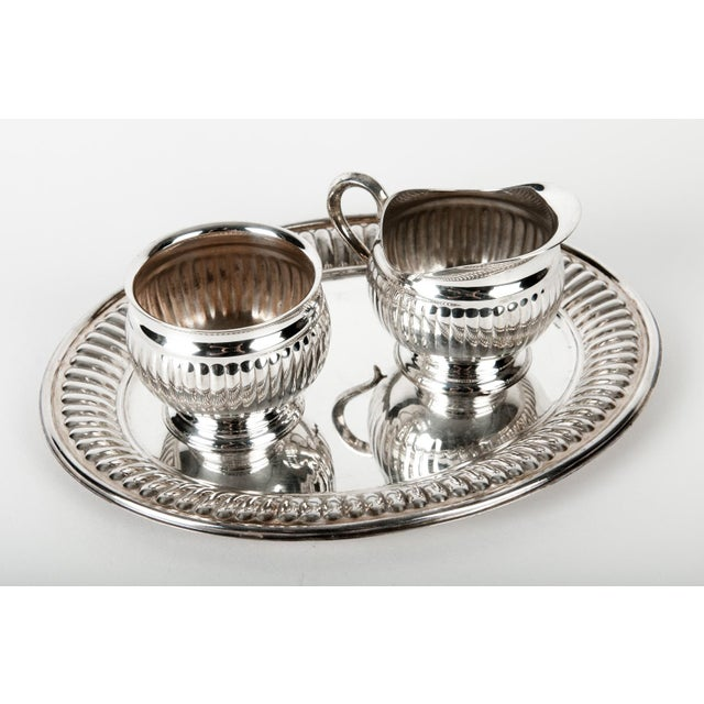 English Traditional Silverplate Creamer and Sugar Set of 3 For Sale - Image 3 of 4