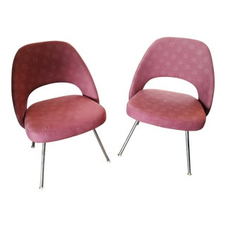Set of 2 Knoll Saarinen Armless Conference Chairs, Dark Pink Pattern For Sale