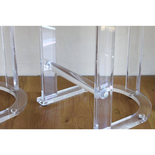 Contemporary Mid Century Vintage Lucite Hill Manufacturing Counter Bar Stools-Set of 2 For Sale - Image 3 of 8