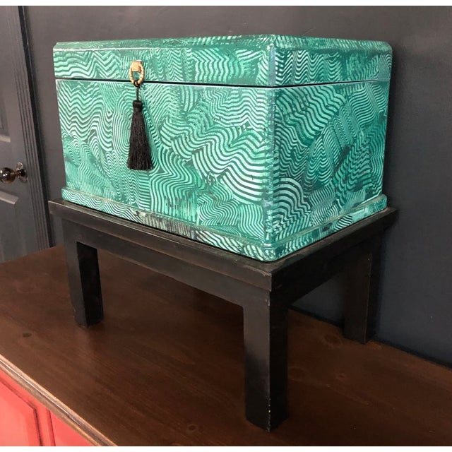 1960s Vintage Faux Malachite Box For Sale In Savannah - Image 6 of 9
