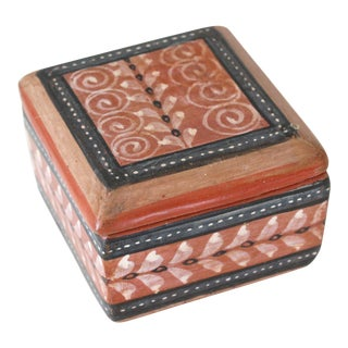 Vintage Mexican Terracotta Hand-Painted Trinket Box With Lid For Sale