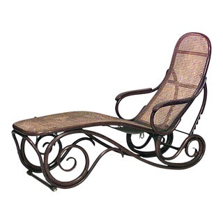 Thonet Style Bentwood Scroll Design Chaise For Sale