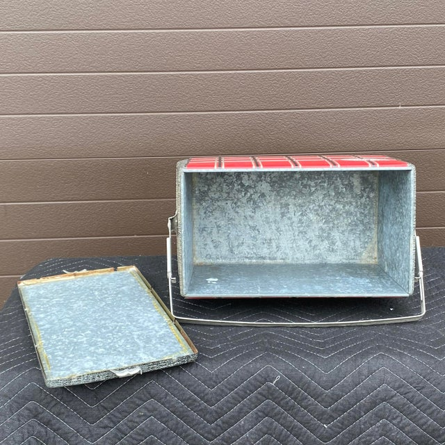 1950s Flamingo Insulated Ice Chest Cooler For Sale In Philadelphia - Image 6 of 13