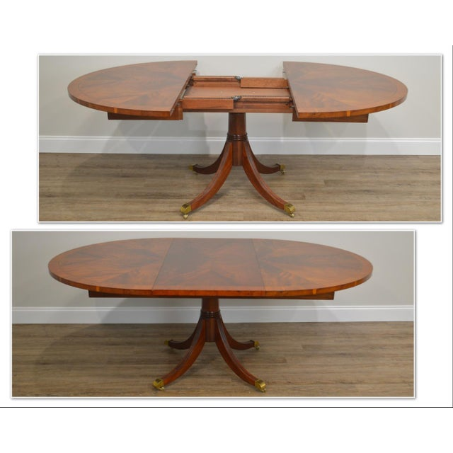 *STORE ITEM #: 19111 Hekman Flame Mahogany Yew Wood Banded Single Pedestal Dining Table AGE / ORIGIN: Approx. 20 years /...