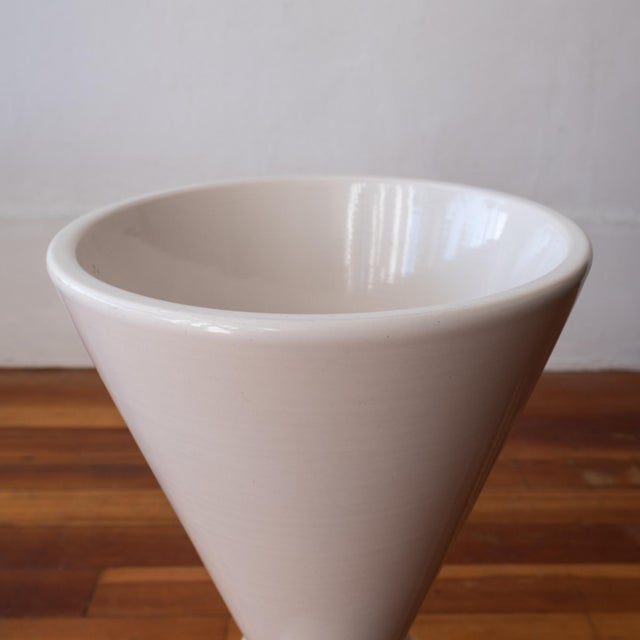 1960s Architectural Pottery Double Cone Planter by La Gardo Tackett For Sale In San Diego - Image 6 of 9