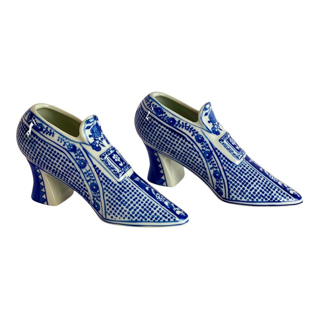 Vintage Chinoiserie Royal Blue Porcelain Shoes - a Pair For Sale